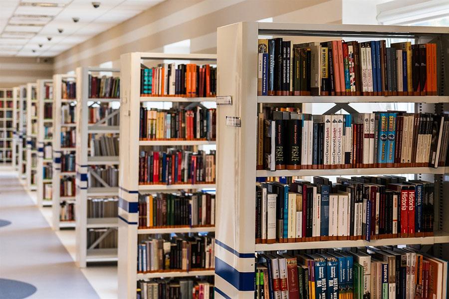 Libros, papelería y prensa